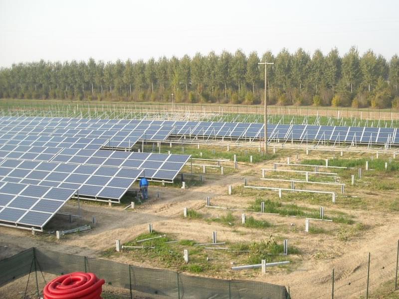 vista di un impianto fotovoltaico realizzato in provincia di bergamo