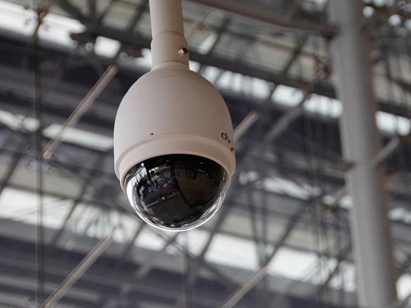 vista di una telecamera per l'impianto tvcc nei pressi di bergamo
