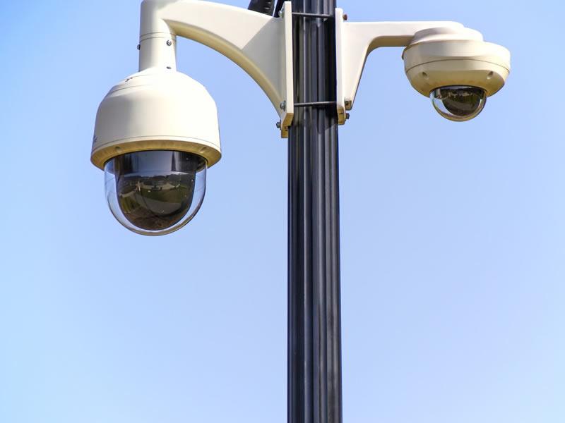 doppie telecamere per la videosorveglianza di un comune a bergamo